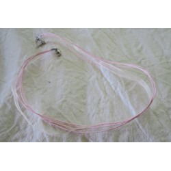 Collier organza rose pâle